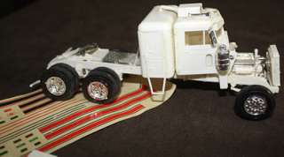 PETERBILT 359 CONVENTIONAL Model Kit for Restoration or Parts, 1:43