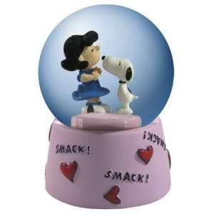 Peanuts Snoopy Kissing Lucy 45MM Waterglobe: Everything