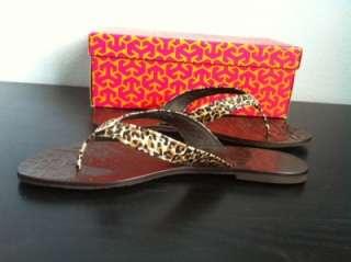 NIB Size 9 Tory Burch Thora Saffiano Sandal Flip Flop Leopard Print