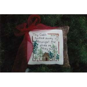 Tiny Cabin   Cross Stitch Pattern: Arts, Crafts & Sewing