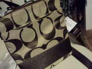 NEW COACH F45797 signature khaki/brown swingpack new with tag