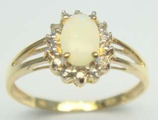 CLASSIC 10KT SOLID YELLOW GOLD OVAL CUT NATURAL OPAL & DIAMOND RING