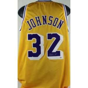 Magic Johnson Autographed Jersey: Sports & Outdoors