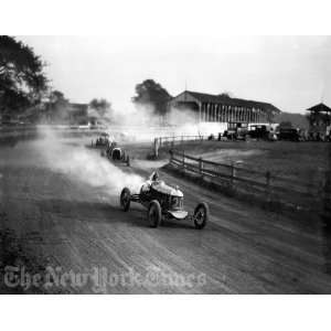 Racers Speed Around Dirt Track   1930s  Home & Kitchen