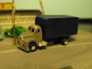BURT INDUSTRIES TRUCKS B MODEL MACK BOX TRK # 30935