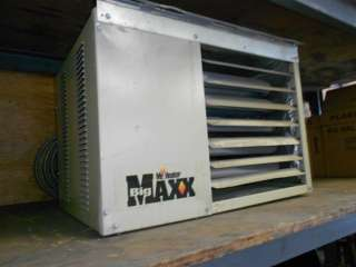 Mr.Heater Big Maxx Natural Gas Garage Heater incl duct and roof vent
